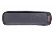 ストラップをより快適に使用できる低反発素材のパッド