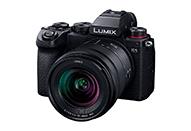 フルサイズミラーレス一眼LUMIX Sシリーズの小型軽量モデル|LUMIX S5