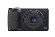 標準域画角でのスナップ撮影が楽しめる新レンズを搭載したハイエンドコンパクトデジタルカメラ