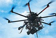 マルチコプターとRED EPICによる映画「魔女の宅急便」の空撮シーン