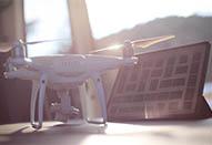 ドローン空撮の現場でiPad Proを活用する